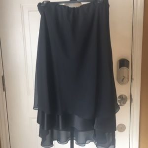 Alex evenings black midi skirt size medium